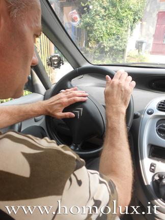 guidare con attenzione